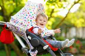 Keeping-Baby-Cool-In-Stroller-1-1